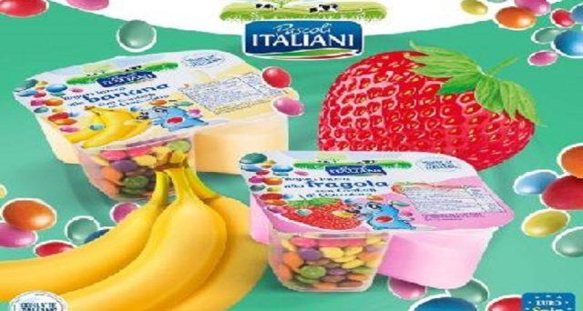 yogurt con pezzi di plastica