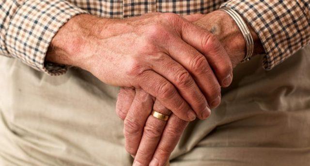 Se la moglie è molto più giovane in caso di divorzio spetta il mantenimento? Ecco quanto conta per i giudici la differenza di età.