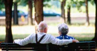 badante-coppia-anziani
