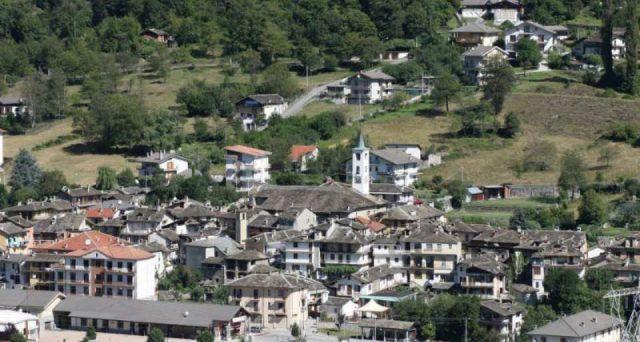 Prosegue la politica di bonus anti spopolamento: è la volta di Locana, in provincia di Torino, piccolo paese nel Parco nazionale del Gran Paradiso. Alle famiglie con bambini fino a 9 mila euro.