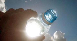 acqua-bottiglia-sole