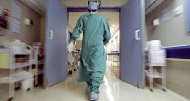 Quota 100: uscita anticipata per favorire, tra le altre cose, il ricambio generazionale. Ma se questa staffetta non fosse possibile? A lanciare l'allarme Sanità è l'Anaao, il più grande sindacato dei medici ospedalieri.