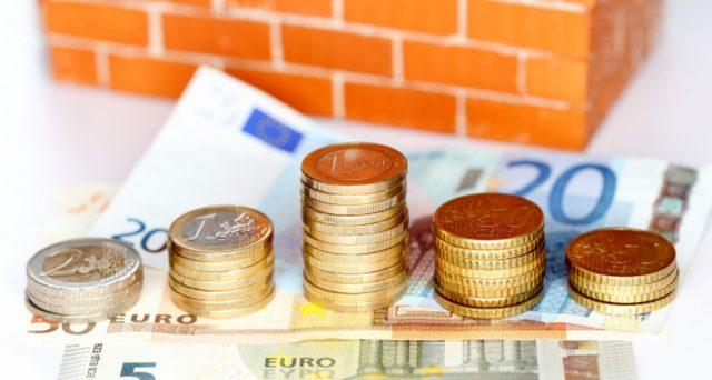 I candidati che parteciperanno e decideranno di trasferirsi in uno dei borghi a rischio spopolamento riceveranno per 3 anni 700 euro al mese.