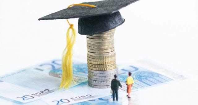 L'Inps mette a disposizione 100 borse di studio per dottorato. Il bando è consultabile online sul sito delle borse di studio.