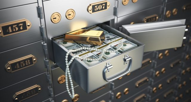 In discussione una legge per introdurre la tassa sulle cassette di sicurezza del 15-20%. Nascosti al fisco circa 200 miliardi di euro.