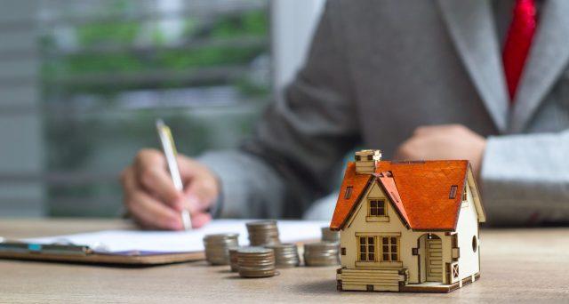 Le donazioni di denaro per acquisto casa sono soggette a rigidi controlli fiscali. Il passaggio di denaro tra genitori e figli: quello che c'è da sapere e consigli utili.