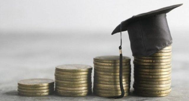 Anche gli studenti fuori corso hanno diritto alle detrazioni per spese universitarie. Lo stesso vale per le spese di ricognizione. La precisazione dell'Agenzia delle Entrate.