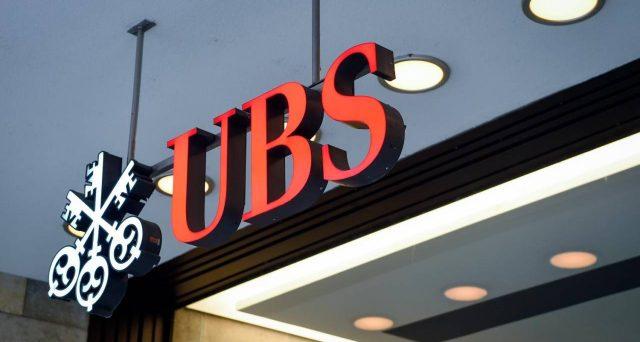 Il fisco passa al setaccio i conti correnti degli italiani in Svizzera. Si comincia da UBS: le autorità elvetiche trasmetteranno i nomi dei possibili evasori all'Agenzia delle Entrate.