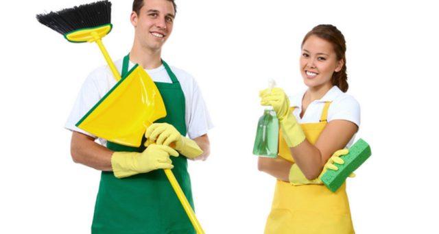 Fisco e Inps a caccia di evasori anche fra colf e badanti in nero. Allo studio una riforma per far emergere il sommerso e regolarizzare il lavoro domestico.