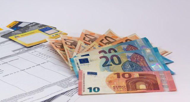 Via libera al decreto sul taglio del cuneo fiscale: come calcolare il bonus in busta paga spettante e chi ha diritto a 600 euro nel 2019.