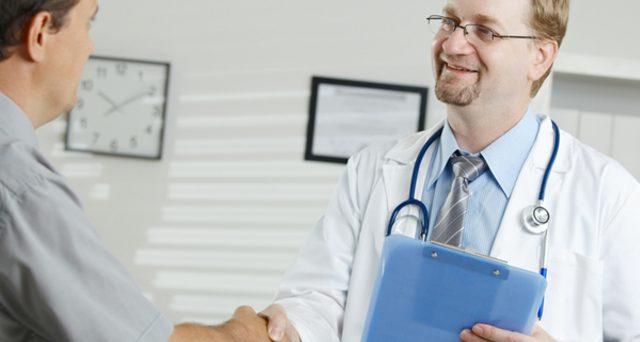 Studi del medico di famiglia aperti a chi percepisce il reddito di cittadinanza e IVA scontata al 4% per macchinari di piccola diagnostica: le richieste.