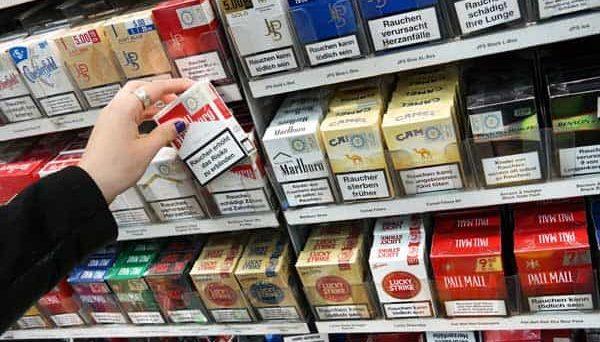 Sei pacchetti di sigarette su cento sono frutto di commercio illecito e contrabbando. Un'indagine Ipsos conferma l'alto tasso di evasione come effetto dell'aumento delle tasse.
