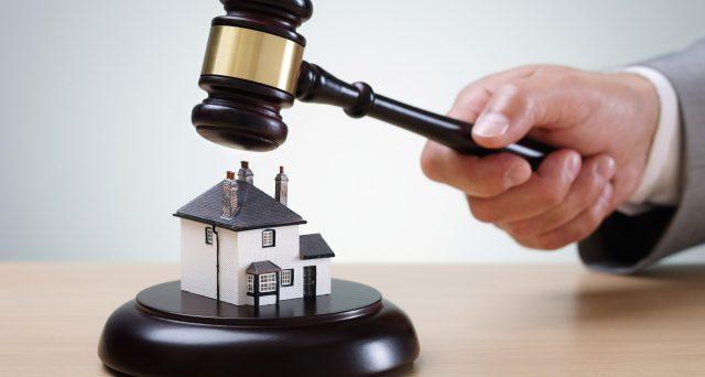 Acquistare casa o beni immobili all'asta potrebbe costare più di quanto sembra. I costi occulti possono far lievitare la spesa finale del 25-30%.