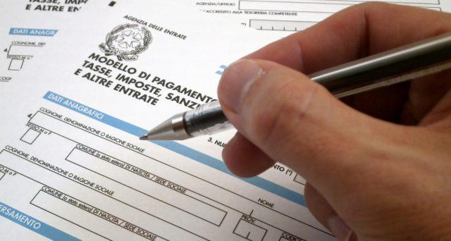 La compensazione in F24 dei rimborsi da 730 o delle eccedenze di versamento delle ritenute in capo ai lavoratori non è limitata dalla presenza di debiti iscritti a ruolo.