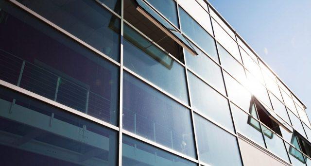 Bonus facciata: ingiusto escludere finestre, infissi, vetrate e serramenti. Che fine fa l'attenzione all'efficienza energetica?