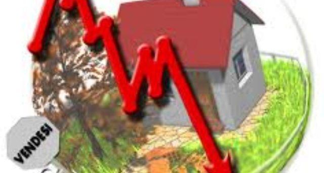 Nel 2019 i prezzi delle case in Italia sono scesi mediamente del 2,8%. Il trend è destinato a proseguire a causa della pressione fiscale di IMU e Tasi.