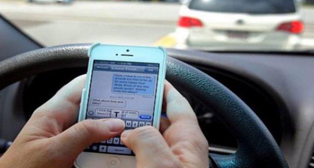 La riforma del Codice della Strada prevede sanzioni fino a 1.700 euro per chi è alla guida col cellulare. Nuovi autovelox in arrivo per individuare i trasgressori.
