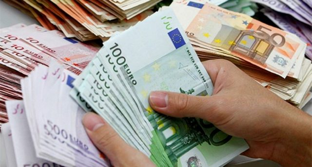 Pagare in contanti e rischio sanzioni: luglio si avvicina. Attenzione: ecco che cosa cambierà.