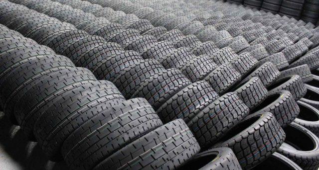 Esiste una tassa sugli pneumatici che non tutti conoscono e la cui evasione crea danni ambientali e ammanchi nelle casse dell'Erario.