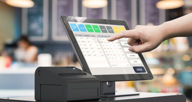 Il commerciante al dettaglio che emette solo fatture può non dotarsi di registratore di cassa ma ciò sarà da ostacolo alla lotteria degli scontrini