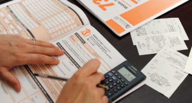 Chi ha perso il lavoro o prevede di guadagnare di meno quest'anno, può evitare di pagare l'acconto. Ecco come fare nel modello 730.