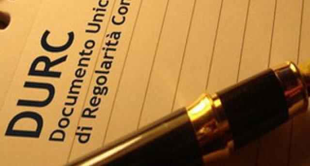 Modificata alla Camera la legge che riguarda la validità temporale dei Durc. I documenti di regolarità contributiva scaduti potranno essere usati fino al 31 dicembre.