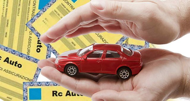 Ivass segnala 7 siti internet irregolari che vendono polizze Rc auto online. I soldi spariscono e le auto non vengono assicurate.