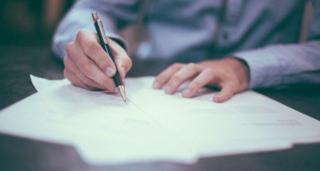 """Il corrispettivo derivante dalla cessione di un contratto di leasing relativo ad un immobile utilizzato per l'esercizio dell'attività professionale, si configuri come cessione di """"elementi immateriali"""" dunque…"""