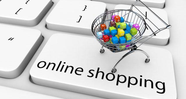 Shopping online a gonfie vele durante l'emergenza coronavirus. Cambiano le abitudini degli italiani di fare la spesa senza spostarsi da casa.