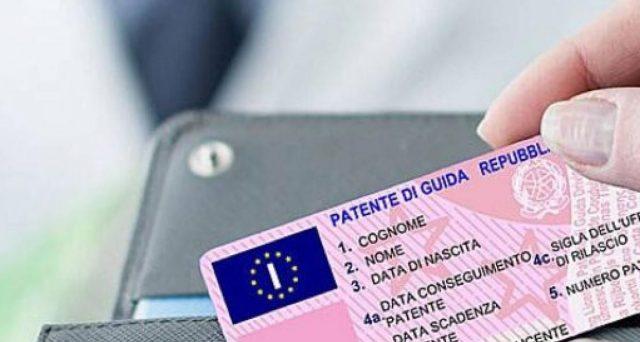 La patente scaduta o in scadenza è valida fino ad aprile 2021. Tutte le altre novità dei documenti di guida con la proroga dello stato di emergenza.