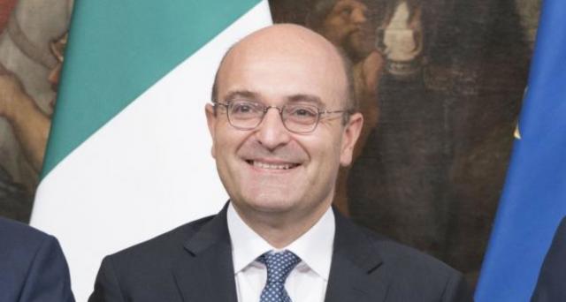 Col decreto Ristori 5 saranno finanziati tagli ai contributi per autonomi e professionisti danneggiati dalla crisi. Sul piatto, altri 1,5 miliardi di euro.