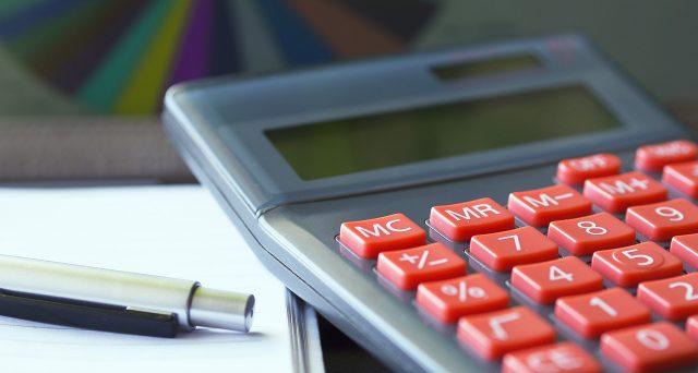Salvo proroghe, i contribuenti persone fisiche non interessati dal DPCM del 27 giugno 2020, sono chiamati alla cassa entro il 30 luglio per il versamento delle imposte applicando la maggiorazione dello 0,40%