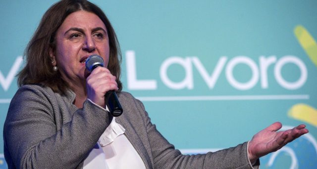La ministra del Lavoro Catalfo annuncia la riforma della Cig. Al via il tavolo tecnico per l'istituzione dell'ammortizzatore unico.