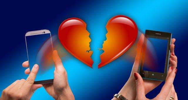 Ci sarà esenzione da imposta di bollo e di registro indipendentemente dalla circostanza che a dichiarare la nullità del matrimonio sia una sentenza ecclesiastica oppure del giudice ordinario