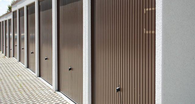 La detrazione degli interessi per il mutuo dell'abitazione principale è ammessa anche per l'acquisto dell'unità ad essa adiacente mentre è esclusa per l'acquisto autonomo del garage