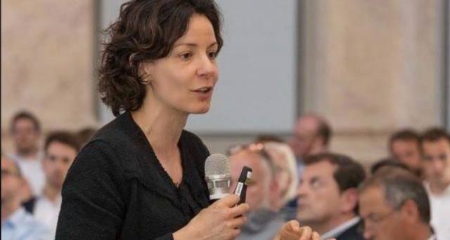 Le famiglie italiane con isee inferiore a 20 mila euro potranno beneficiare di un buono da 500 euro da spendere per l'acquisto di computer, tablet, ma anche connettività internet