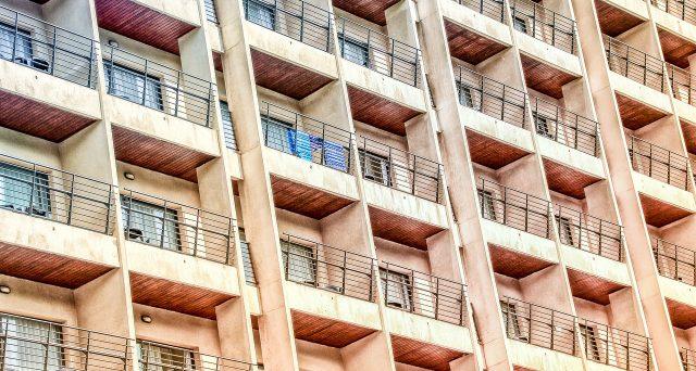 Per godere del bonus facciate è necessario che i lavori siano eseguiti sulla facciata visibile dell'edificio. L'Agenzia delle Entrate in una recente risposta si è soffermata sul caso di lavori effettuati sui balconi