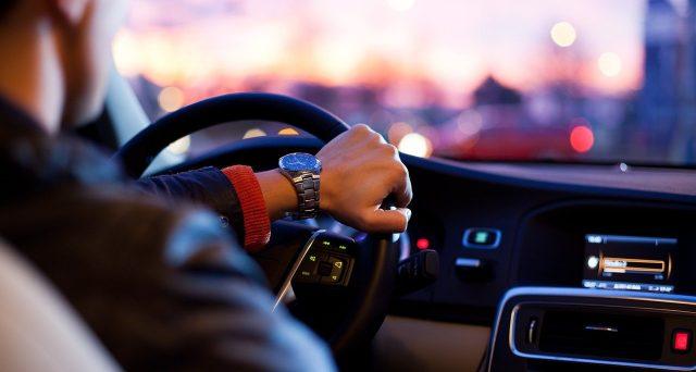 Entro il 10 ottobre 2020 i proprietari di veicoli dati in locazione a lungo termine senza conducente devono comunicare al PRA alcuni dati. Vediamo quali