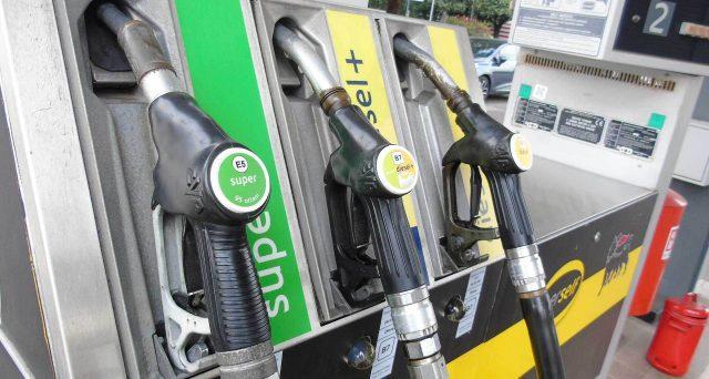 Il ministero dell'Ambiente vuole aumentare le accise sul diesel per contenere l'inquinamento. Per i petrolieri, meglio rinnovare il parco auto.