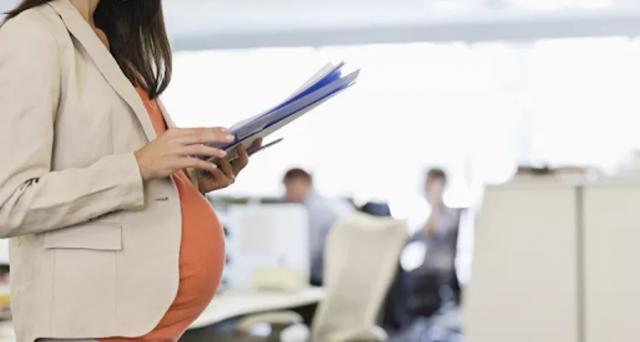 gravidanza-a-rischio-lavoro-in-piedi