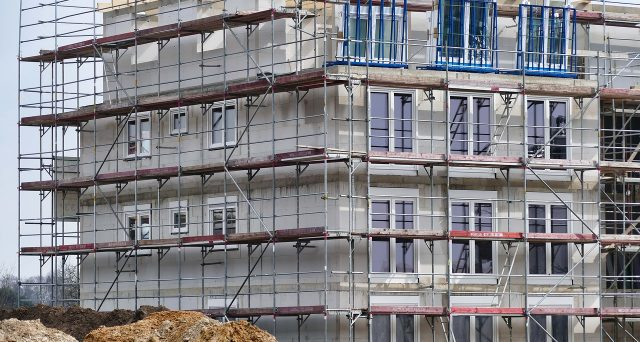 Se i lavori realizzati sulla facciata esterna condominiale danno diritto sia al bonus facciate che all'ecobonus, ogni condomino potrà fare la propria scelta del beneficio da fruire fermo restando la non cumulabilità