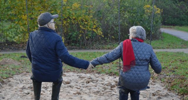 Dal 2023 si andrà in pensione a 67 anni e 3 mesi, ma gli aumenti non finiscono qui. Come si allontana l'età della pensione se si vive più a lungo.
