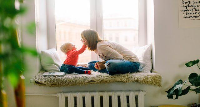 I genitori con figli compresi tra i 14 e i 16 anni di età avranno il diritto di astenersi dal lavoro, ma senza ricevere alcuna retribuzione, indennità o contribuzione figurativa.