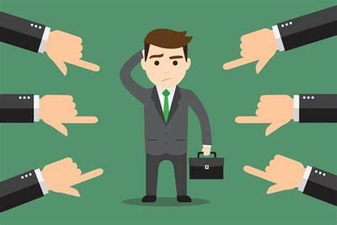 Se il mondo del lavoro è difficile per i giovani, per gli over 60 anni che vengono licenziati è ancora più complicato visto che è necessario trovare una ricollocazione e rimettersi in gioco.
