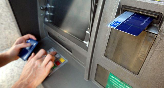 I prelievi bancomat saranno tutti soggetti a commissioni. La riforma di Bancomat spa attende solo il via libera dell'Antitrust.