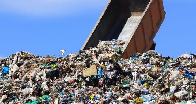 Molti cittadini sono alle prese con il pagamento della Tari, la tassa comunale destinata a finanziare i costi del servizio di raccolta e smaltimento dei rifiuti a carico dell'utilizzatore.