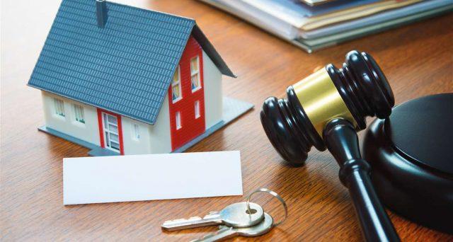 Il lockdown 2020 ha buttato a terra anche il mercato delle aste immobiliari. Persi 6,6 miliardi di euro, numeri dimezzati.