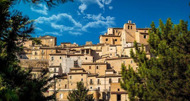 Nel 2020 la provincia di Milano resta la più cercata per acquistare casa. La ricerca immobiliare si sposta lontano dai capoluoghi.