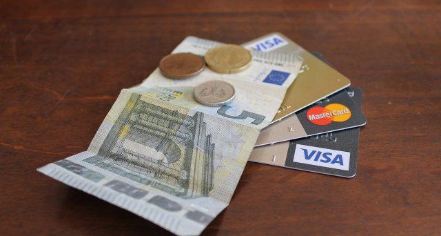 Per partecipare alla lotteria scontrini è necessario che l'intero importo dello scontrino sia pagato con carta elettronica