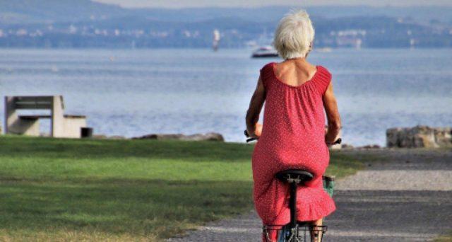 Ultimo anno per andare in pensione anticipata con opzione donna per le lavoratrici autonome. Ma l'assegno parte dopo 18 mesi.